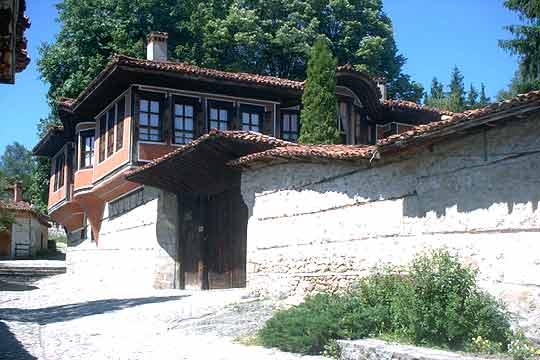 Connaisez vous les maisons typiques bulfra bulgarie le for Acheter maison en bulgarie